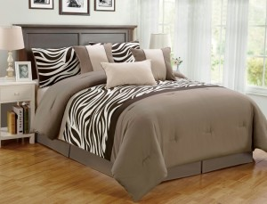 7 Piece Zebra Comforter Set